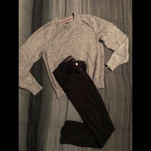 AEO SuperStretch Jeggings W/ TH SWEATER
